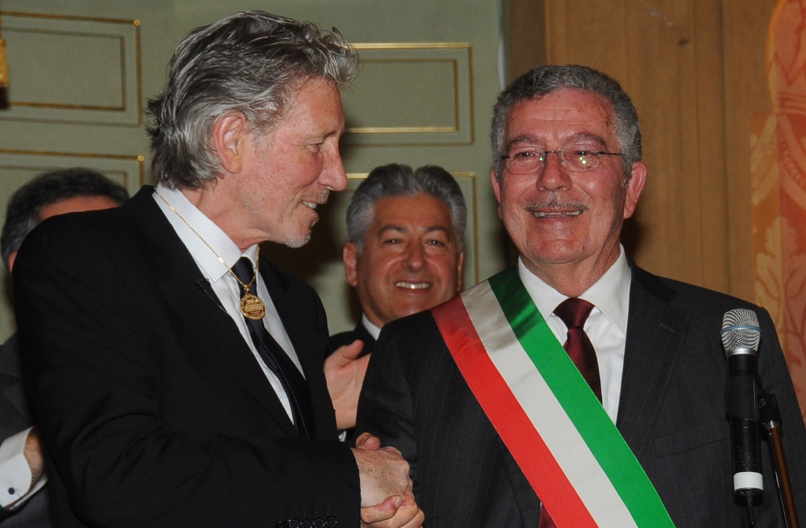 roger waters anzio