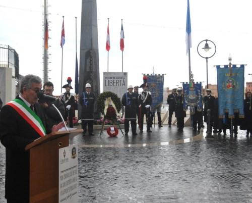 foto monumento ai caduti
