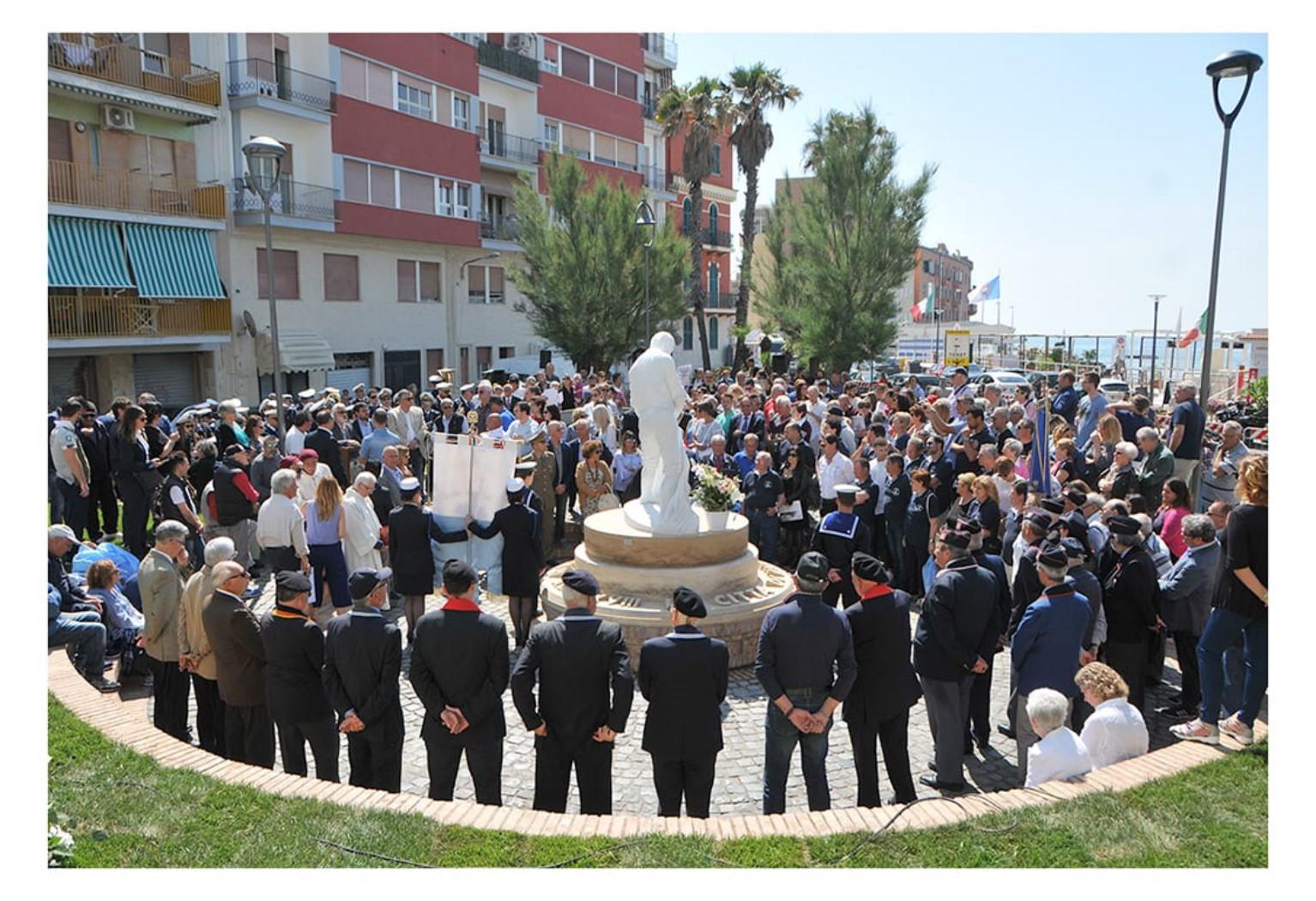 Inaugurazione monumento al Pescatore